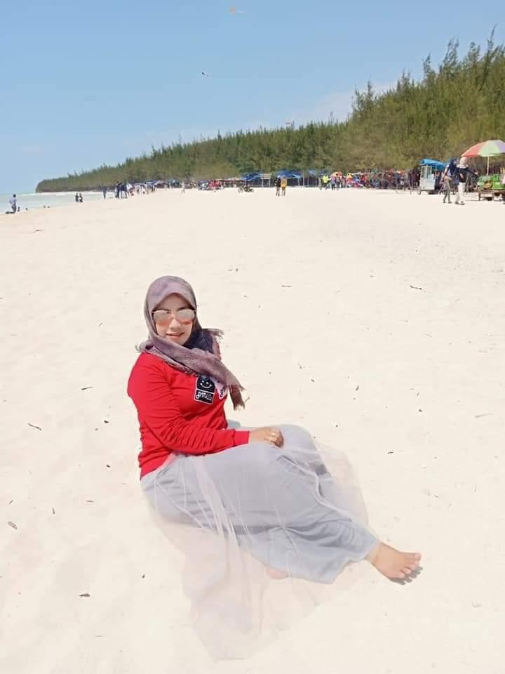 WIsata Pantai Semilir